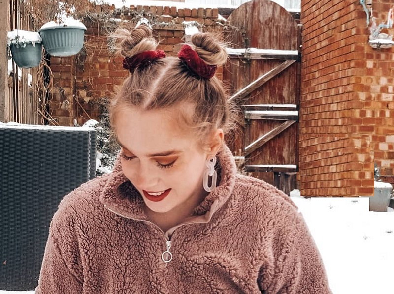 space buns for short straight hair