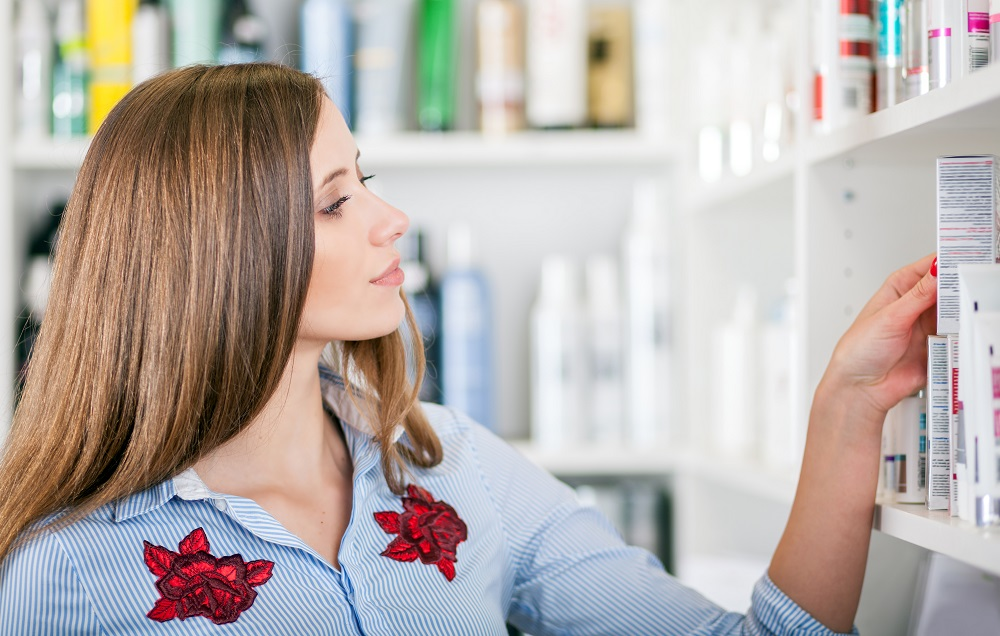 Women Choosing Hair Thickening Products